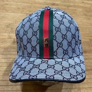 Designer look cap NWT